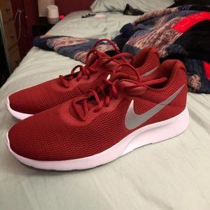 Men's Nike Tanjun Shoes size 12